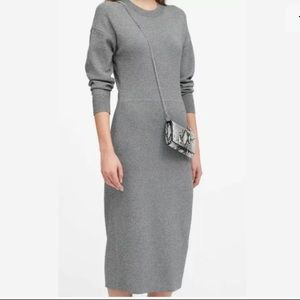 💕 Banana Republic Gray Sweater Midi Dress XS